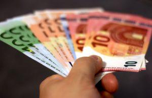 KTU ekonomistės: nuotaikos slogios – stipriai sumažėjo pasitikėjimas euro zonos šalių ekonomika